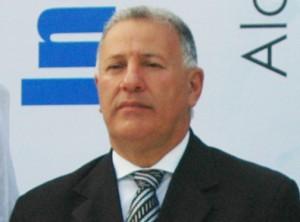 El alcalde de Santiago,doctor Gilberto Serrulle.